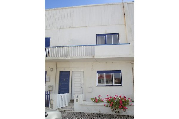 Cottage Casa Praia de Santa Cruz in Praia de Santa Cruz - immagine 1