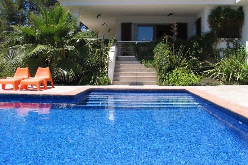 Villa DUERO  Calafat Retreats