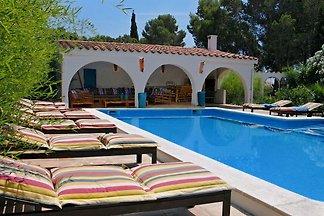 villa provenzal con encanto