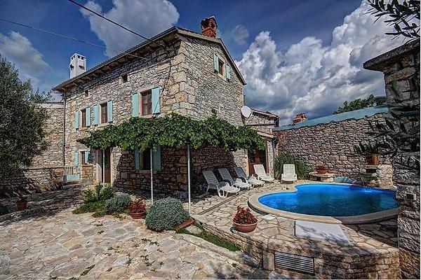 Villa 556 à Barban - Image 1