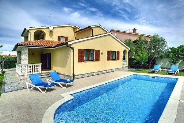 Villa 667 à Fažana - Image 1