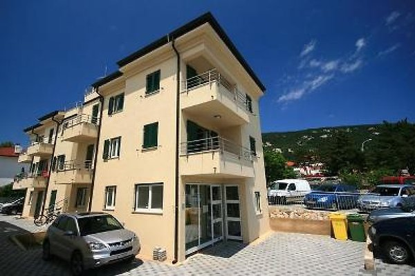 Apartamento 185-2 en Baska - imágen 1