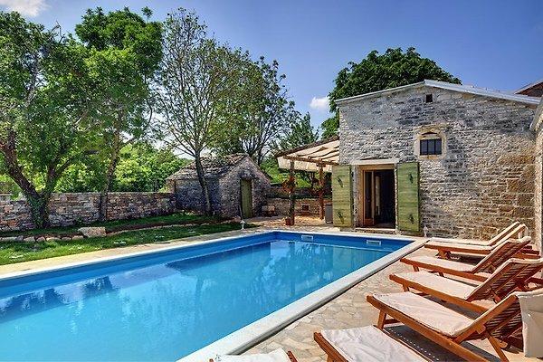 Villa 895 en Pazin - imágen 1