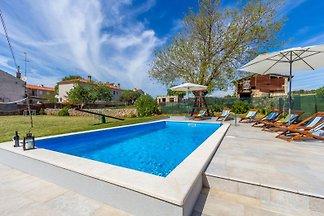 Villa 692