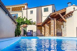 Villa 365
