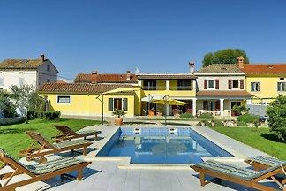 Villa 277