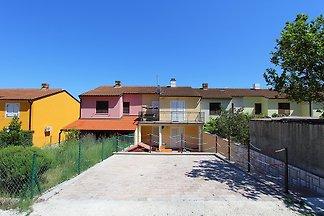 Schönes Appartement mit 2 Schlafzimmer, Bad, Küche, Klima, WLAN, Terrasse, Grill und nur unweit vom Kap Kamenjak