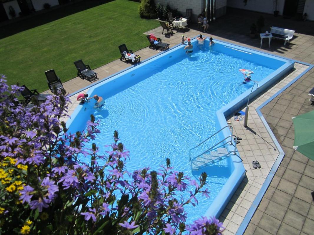 Beheiztes Schwimmbad Von Mai Bis Oktober