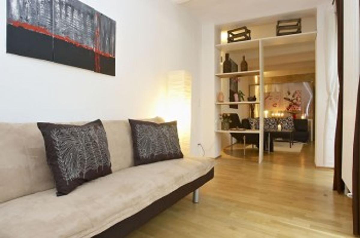 berlin your flat ferienwohnung in prenzlauer berg mieten. Black Bedroom Furniture Sets. Home Design Ideas