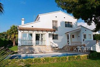 Costa Dorada Villa Ilropasa