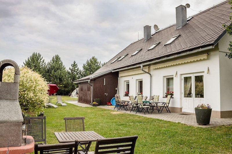 Villa mit Terasse