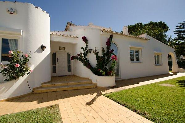Villa Bonita con piscina di calore in Vilamoura - immagine 1