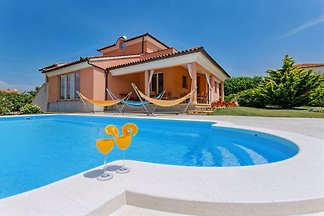 Luxury Villa with Pool in Medulin