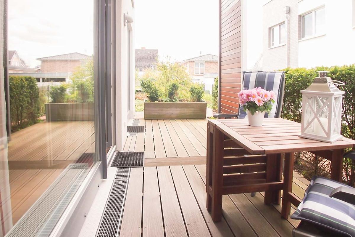 wohnen am meer wohnung 2 ferienwohnung in timmendorfer strand mieten. Black Bedroom Furniture Sets. Home Design Ideas