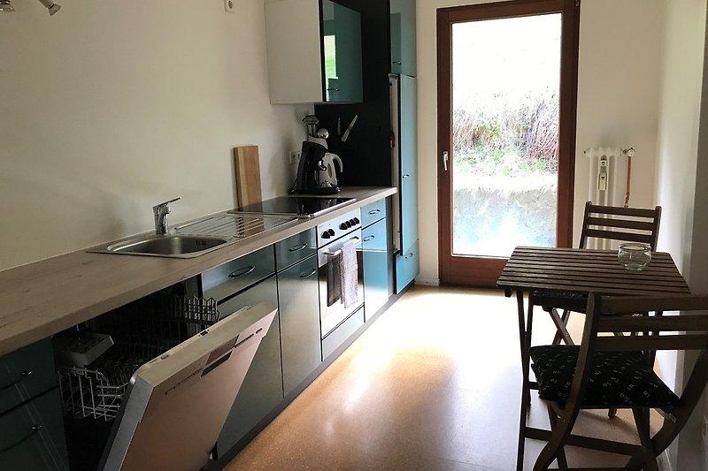 Küche mit Ausgang auf den Freisitz