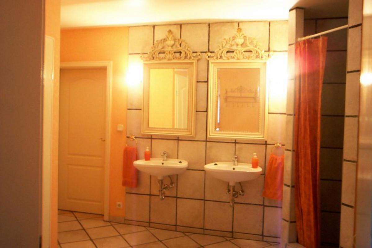 pension villa casa chabeli pension in lichterfelde mieten. Black Bedroom Furniture Sets. Home Design Ideas