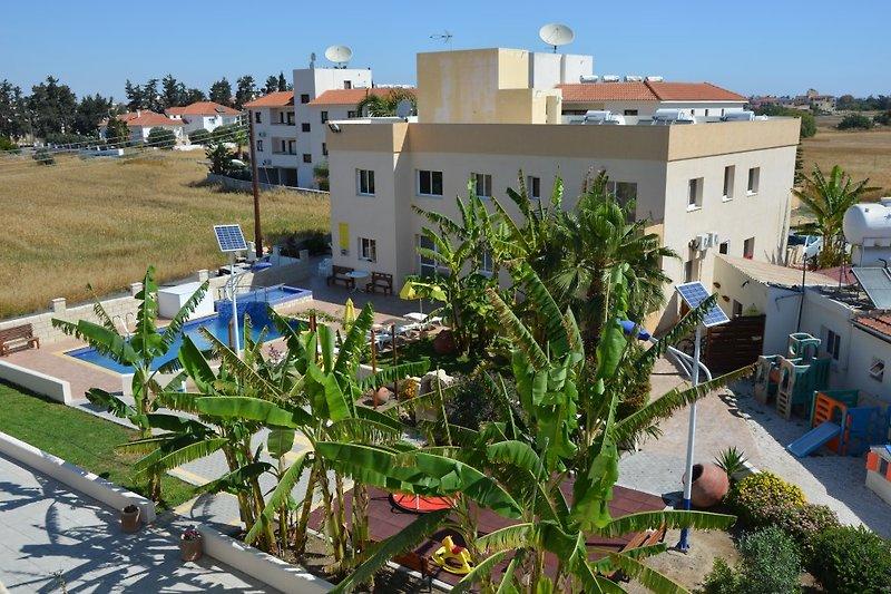 Die Marios Apartments in Pervolia ...