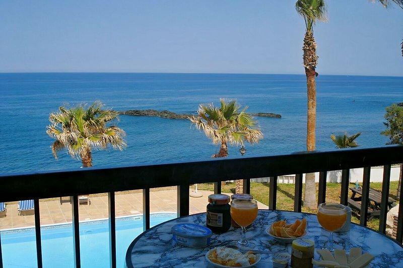 Sun Camero: Frühstück auf dem Apartment-Balkon