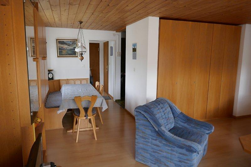 Sicht vom Wohnzimmer zum Esszimmer