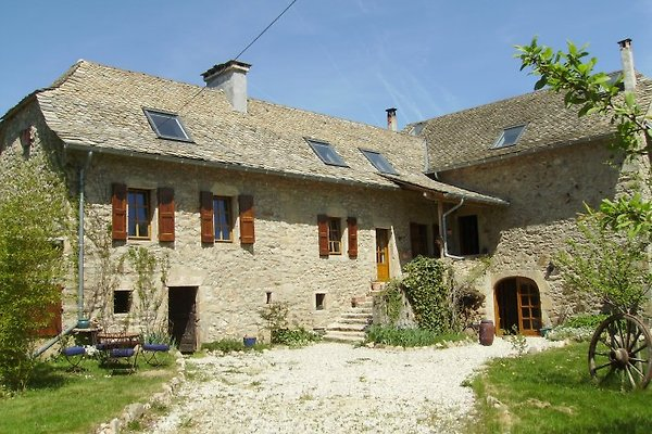 chateau de paille in La Capelle-Bleys - immagine 1