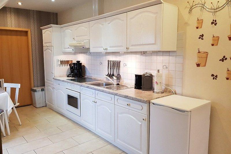 Komplette Einbauküche mit allem drum und dran