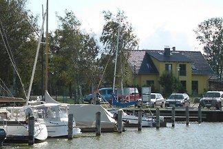 Ferienhaus am Bodden 50m z. Wasser