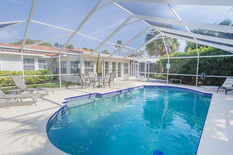 Swimmingpool, terrasse, garten