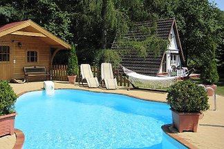 ferienh user ferienwohnungen mit pool in deutschland. Black Bedroom Furniture Sets. Home Design Ideas