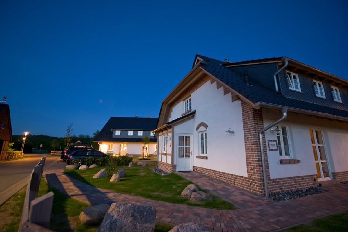 Ferienhaus bis 4 pers babybett ferienhaus in sellin for Sellin ferienhaus