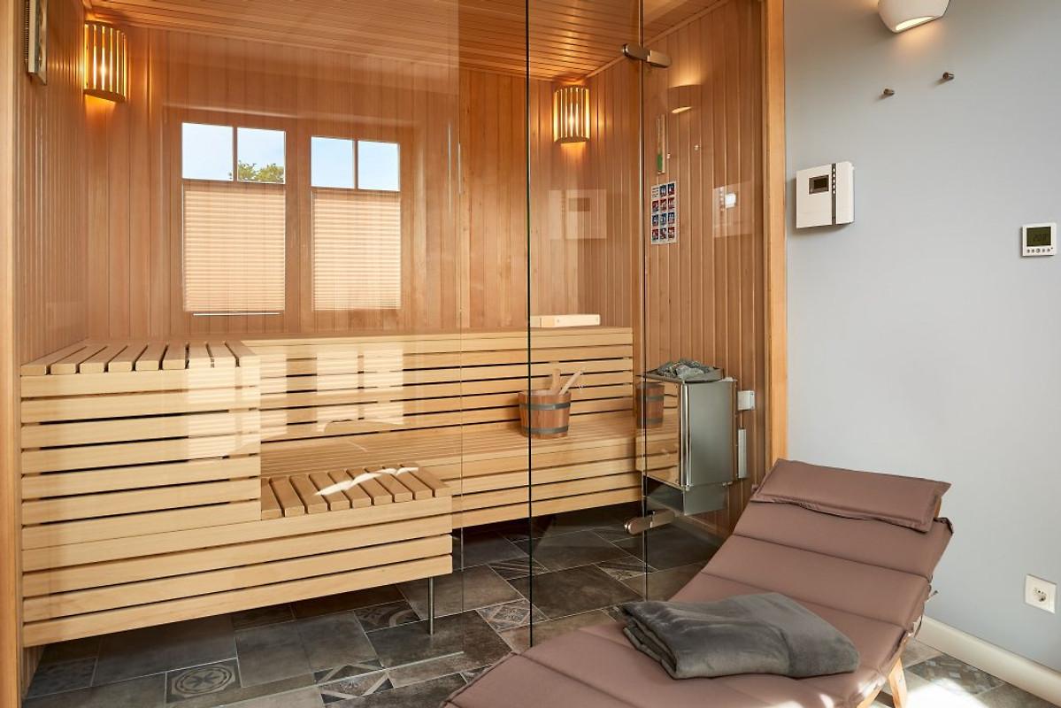 villa f r 8 personen babybett ferienhaus in sellin mieten. Black Bedroom Furniture Sets. Home Design Ideas
