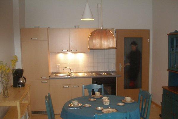 hallo berlin farbenfrohes zimmer unterkunft in. Black Bedroom Furniture Sets. Home Design Ideas