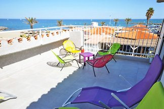 Villa ideal for 2 families directly on the beach (8/10 people)