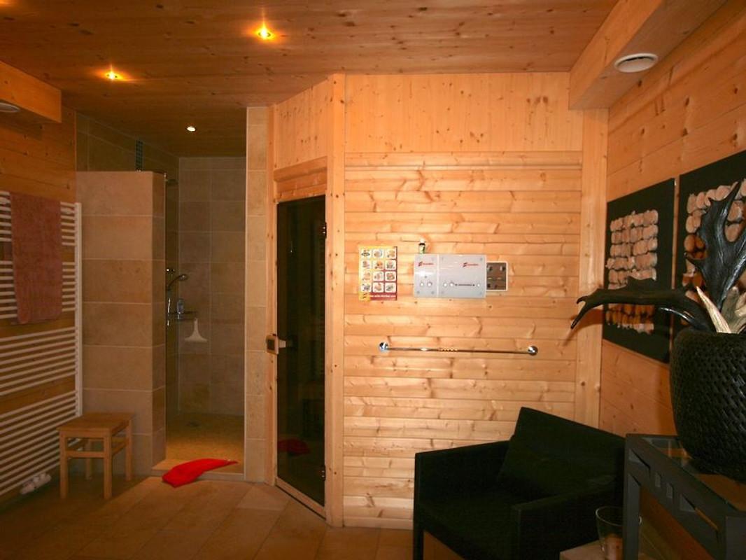 Holzblockhaus im Skigebiet in Annaberg - Firma Immobilien Herr W ...