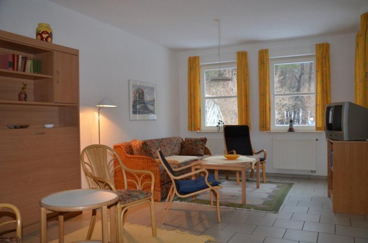 zempin blaues haus wohnung 1 ferienwohnung in zempin mieten. Black Bedroom Furniture Sets. Home Design Ideas