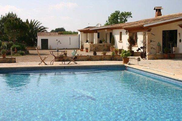 Finca mit Pool und Tennisplatz in Llucmajor - Bild 1