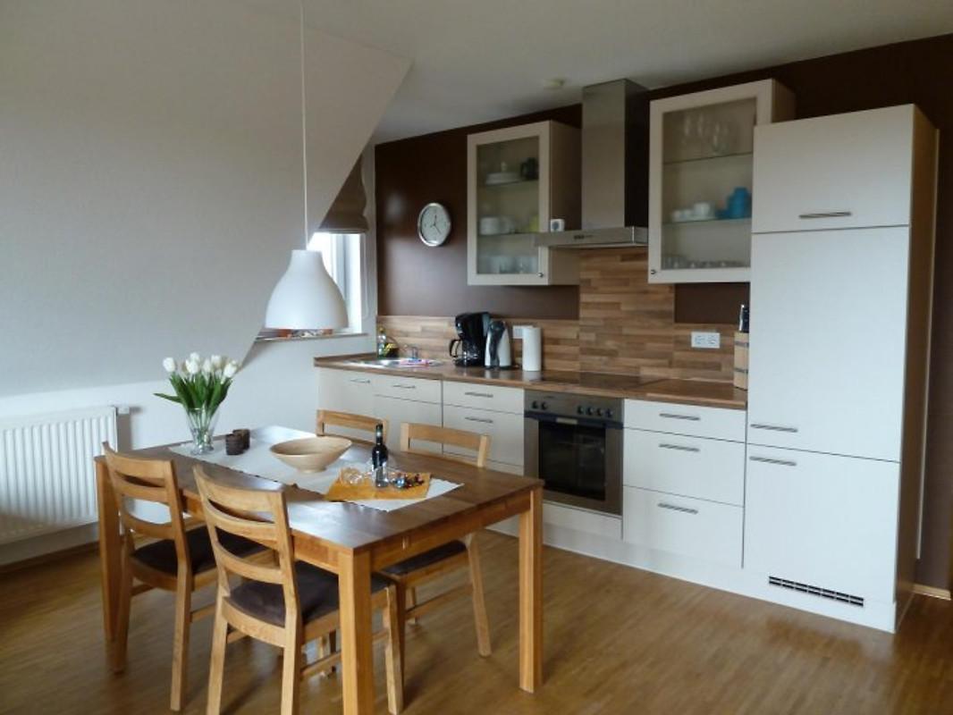 ferienwohnung mit dachterrasse ferienwohnung in glowe mieten. Black Bedroom Furniture Sets. Home Design Ideas