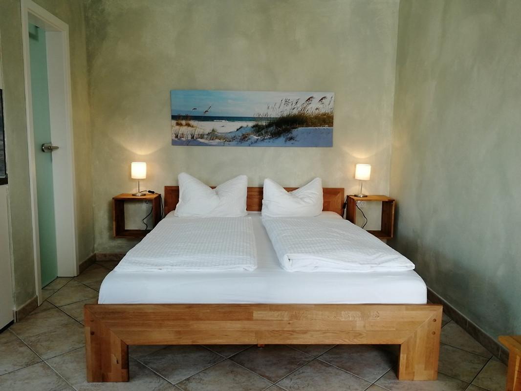 kleines appartement f r 2 personen ferienwohnung in glowe mieten. Black Bedroom Furniture Sets. Home Design Ideas