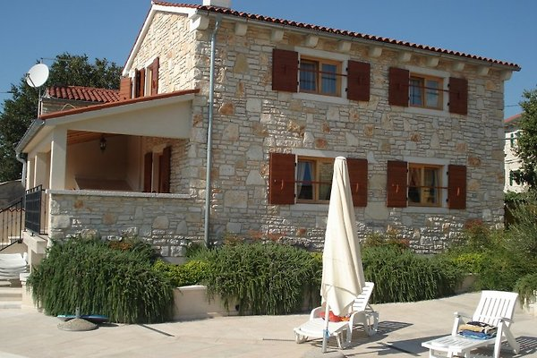 Seitenansicht Villa Mirta