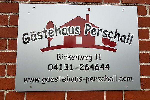 Herr S. Perschall