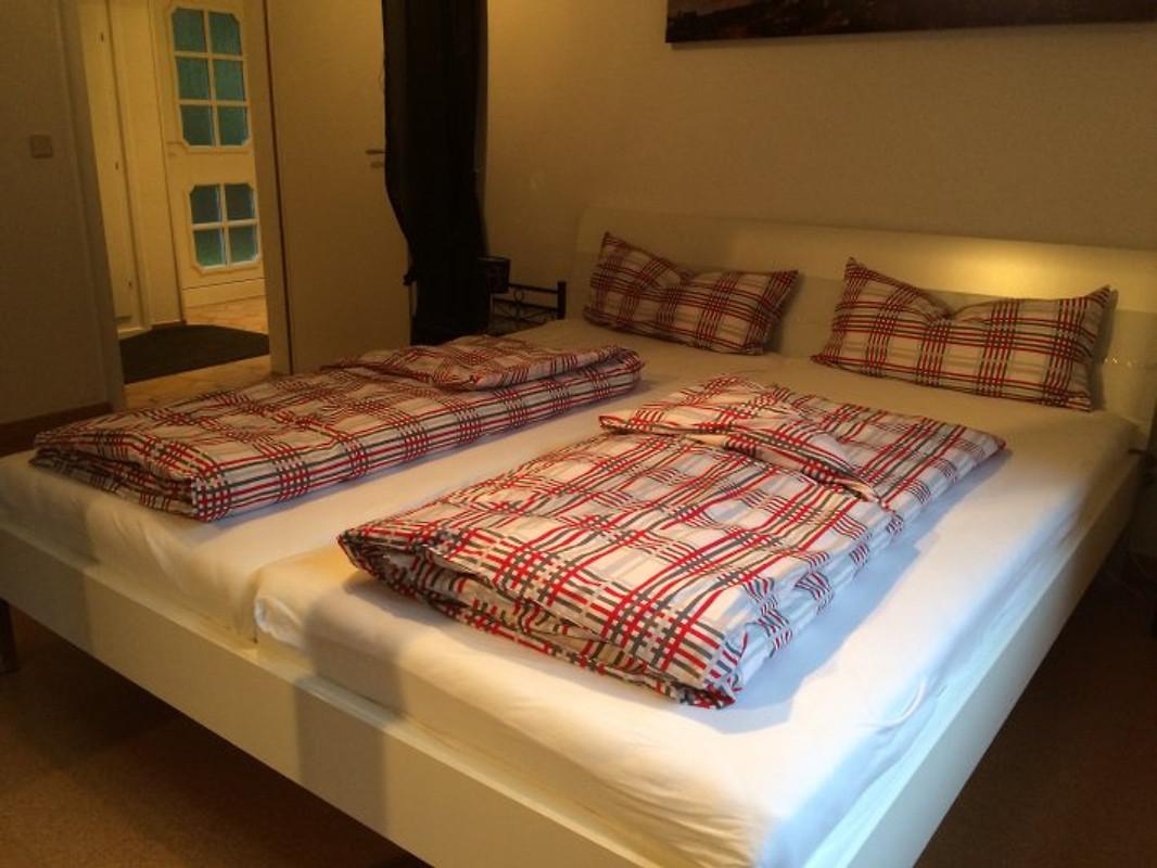 das kleine waldhaus ferienhaus in b llhorn mieten. Black Bedroom Furniture Sets. Home Design Ideas