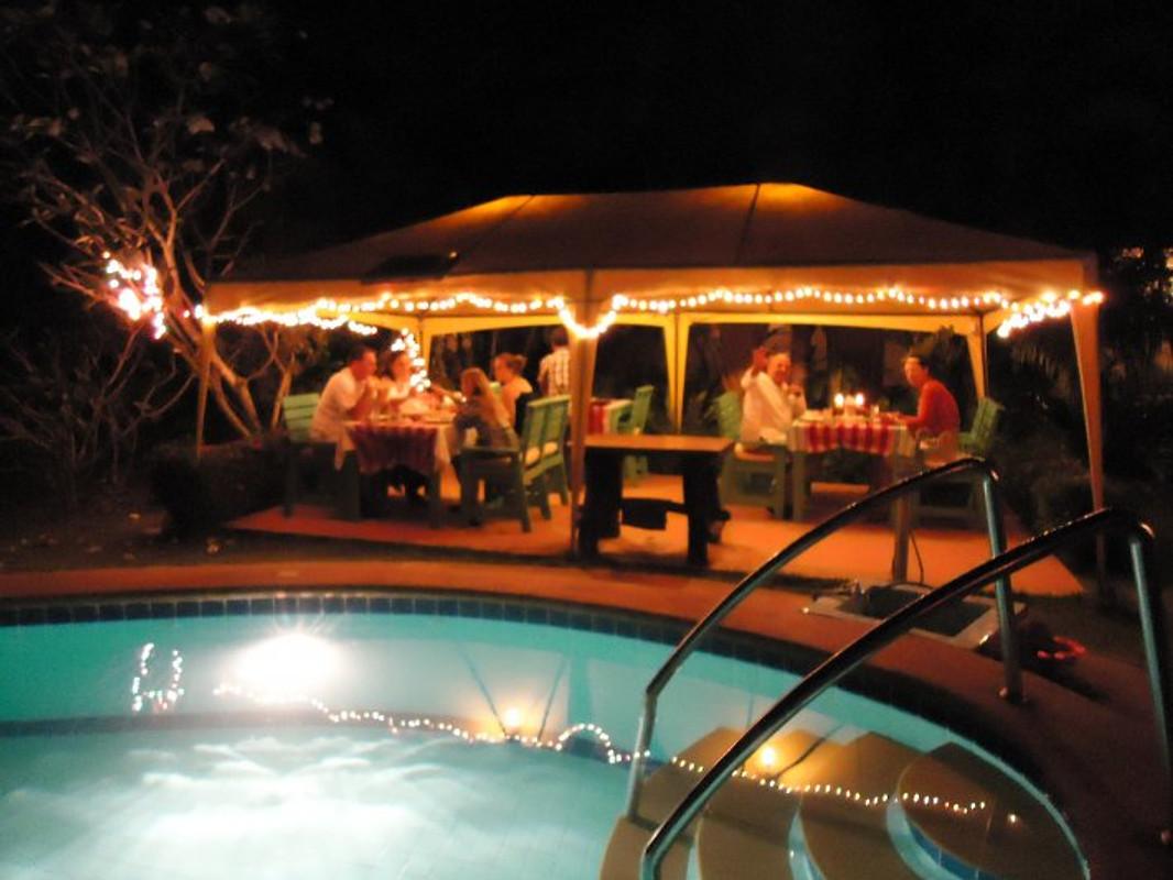 Dinner Set Tuin : Komfort bungalow rose gratiswifi ferienhaus in bang saray mieten