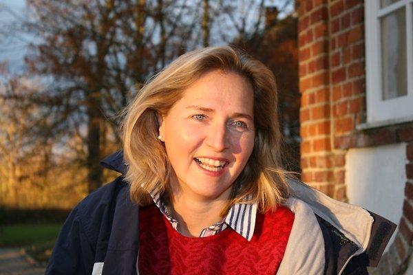 Frau F. Kaehne