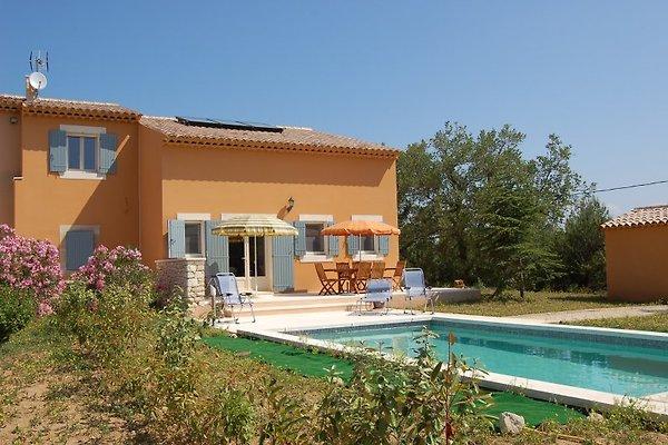 Casa a Luberon LA8416 in Lacoste - immagine 1