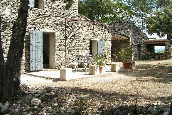 Maison en pierre dans le Luberon LA8408 à Lacoste - Image 1