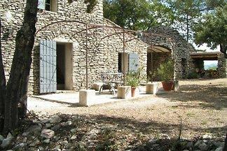 Maison en pierre dans le Luberon LA8408