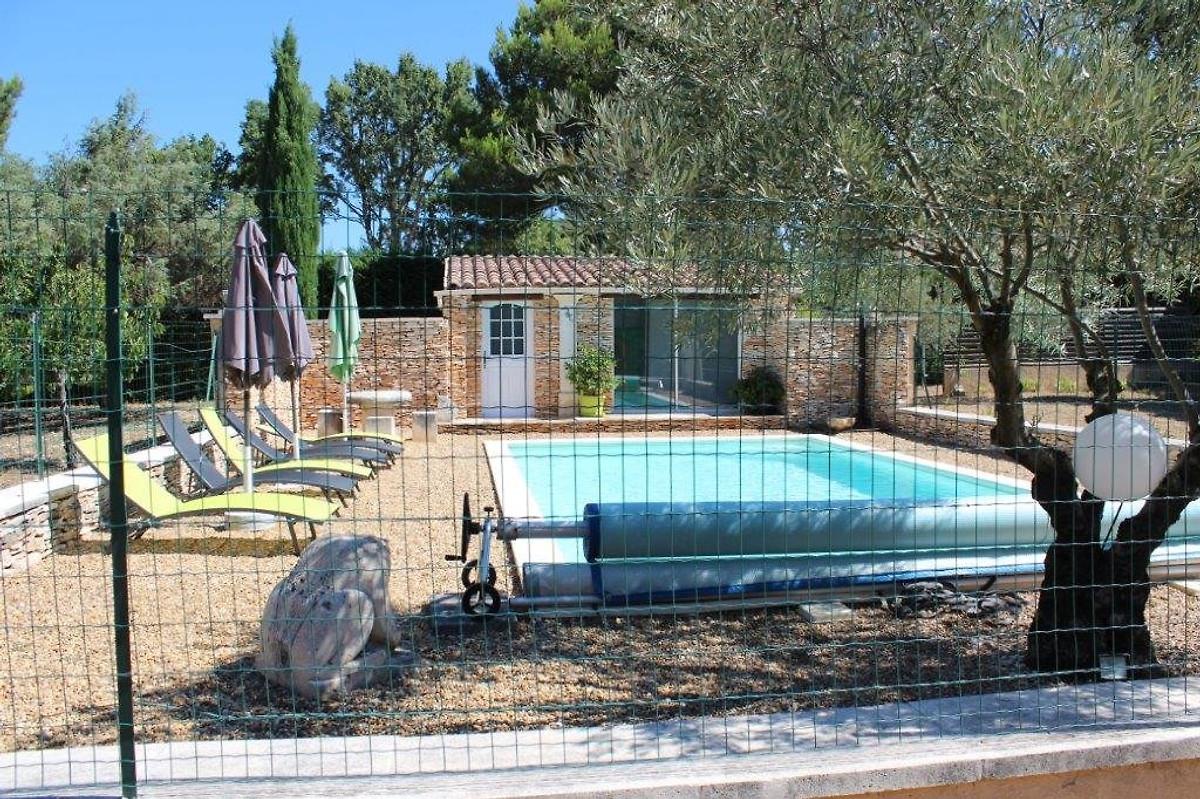 provenzalisches haus pro 8461 ferienhaus in saint saturnin les apt mieten. Black Bedroom Furniture Sets. Home Design Ideas