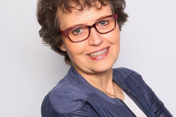 Frau J. Van der Veen