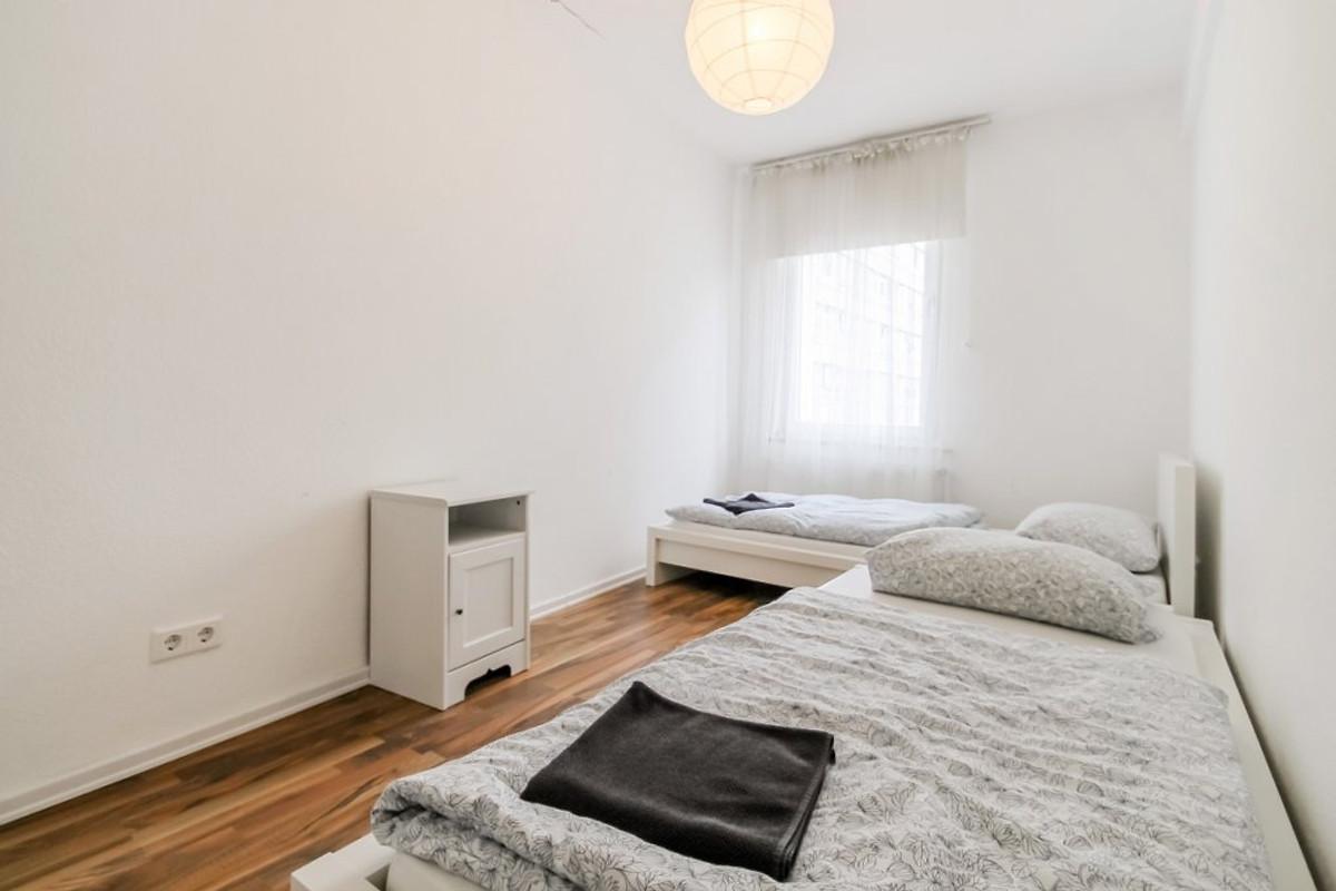 Schlafzimmer Köln | Ferienwohnung Koln Peter Ferienwohnung In Koln Innenstadt Mieten