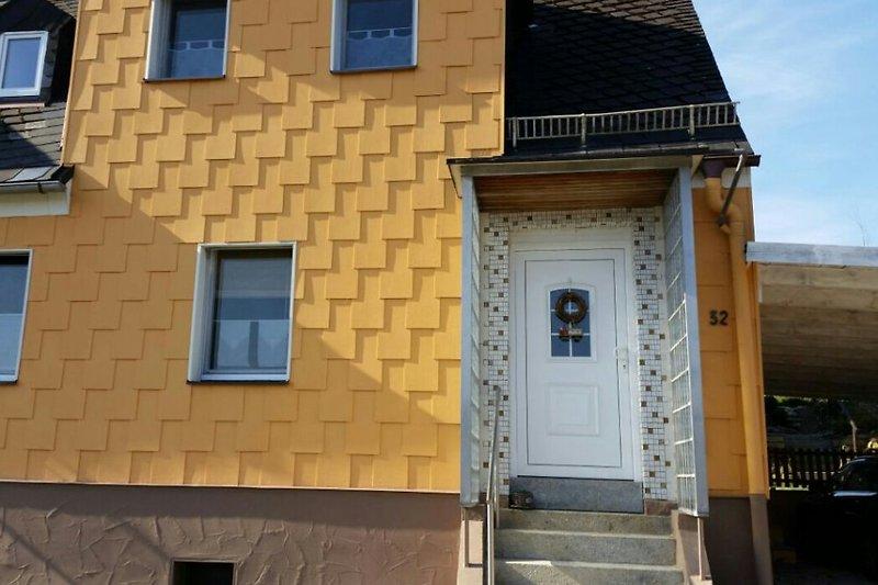 Eingang Haus Lisa