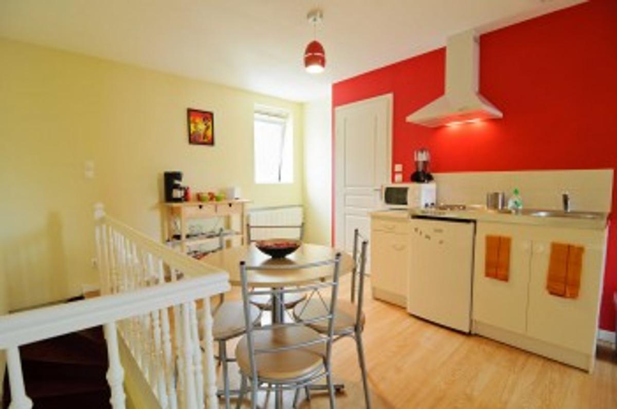 location meubl e studio 30m vakantie appartement in. Black Bedroom Furniture Sets. Home Design Ideas